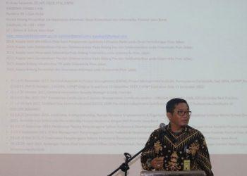 Sambutan Oleh Pak H. Asep Saepuloh, ST., MT, Kepala Bidang Persandian dan Keamanan Informasi, Dinas Komunikasi dan Informatika Provinsi Jawa Barat